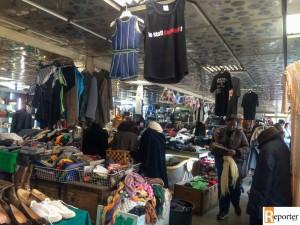 I vestiti raccolti vengono venduti a prezzi sociali a persone in difficoltà